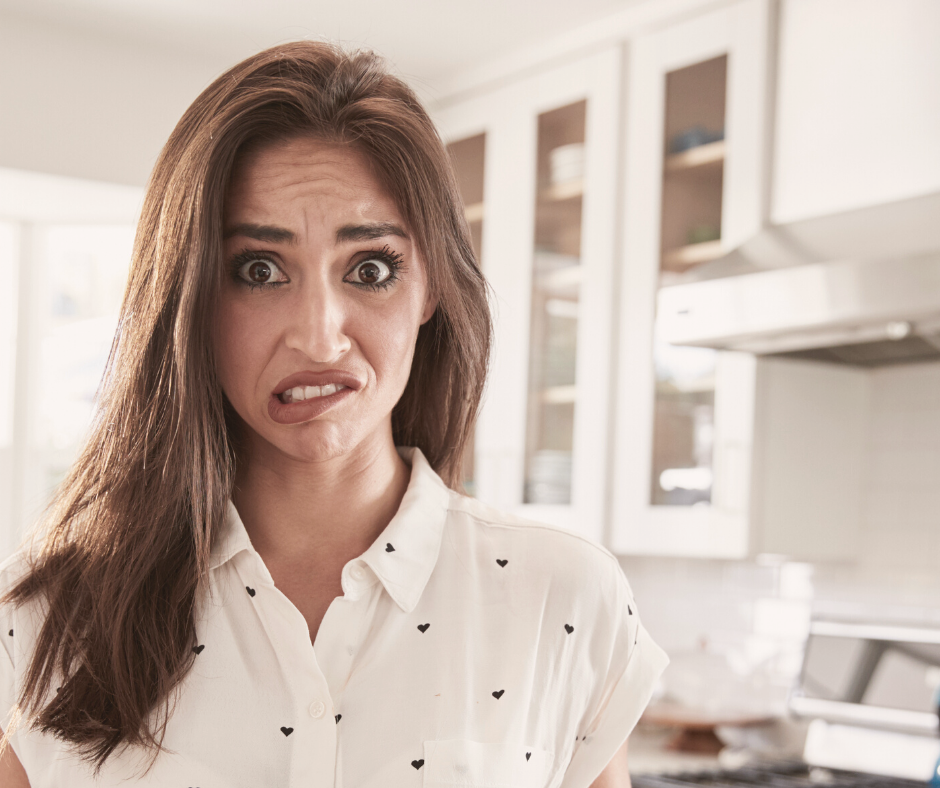 6 common blogging mistakes that will cost you sales.