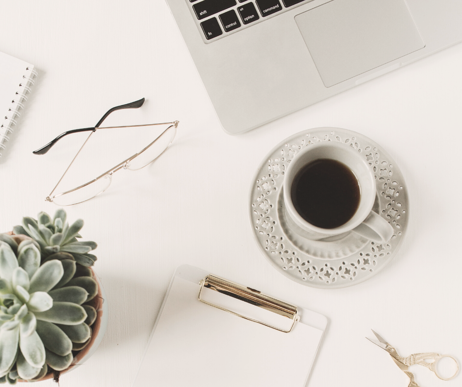 How to become a successful blogger - advice from bloggers making $1K-$5K.